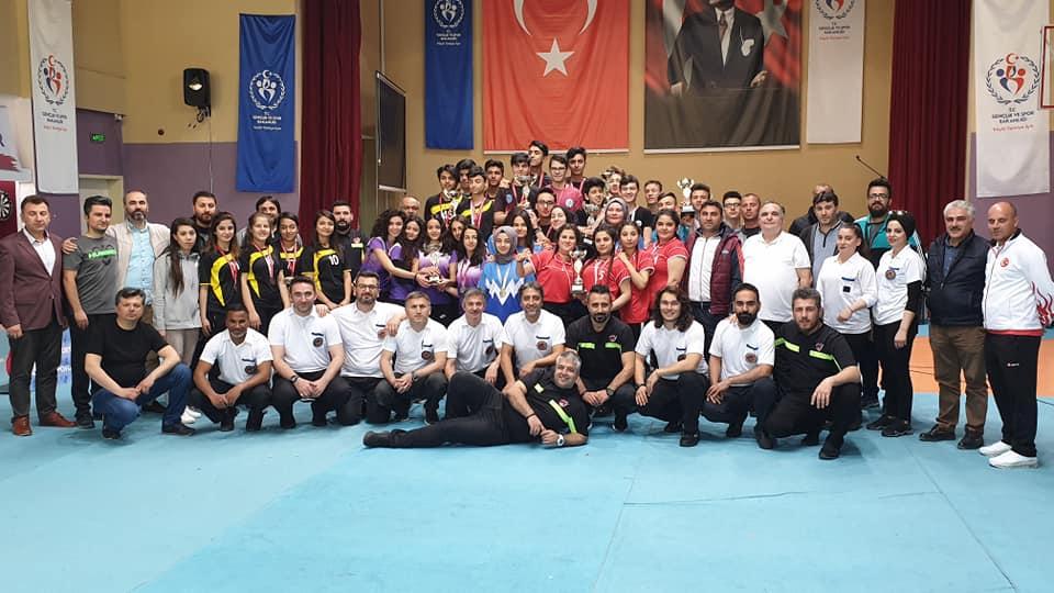 Okullar Arası Dart Türkiye Birinciliği Müsabakaları Adana'da Yapıldı