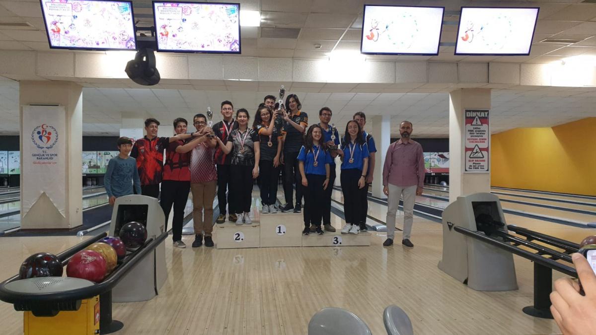 Yıldızlar ve Gençler Bowling Şampiyonası Tamamlandı